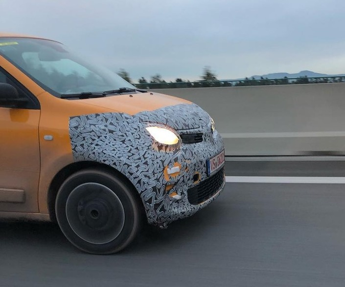 La Renault Twingo restylée à nouveauaperçue