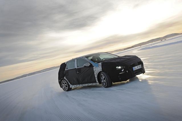 Hyundai dévoile les premières images de l'i30 N, la première sportive compacte de la marque