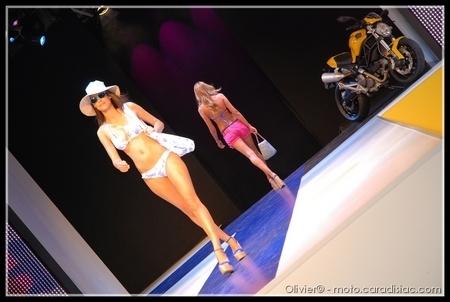 Reportage - Salon Mode City 2009 : La Ducati Monster Art joue les top models !!