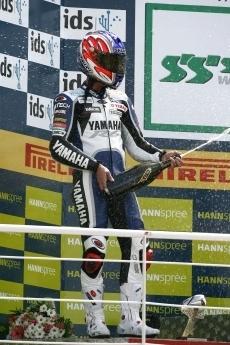Superbike - Valence: Loris Baz, plus jeune vainqueur de l'Histoire !