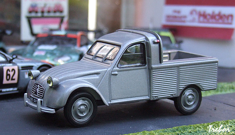 miniature 1 43 me citro n 2cv pick up. Black Bedroom Furniture Sets. Home Design Ideas