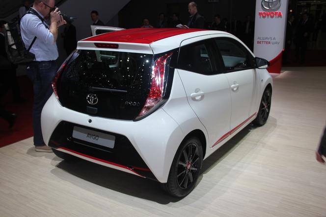 Vidéo en direct de Genève 2014 -Toyota Aygo : girly !