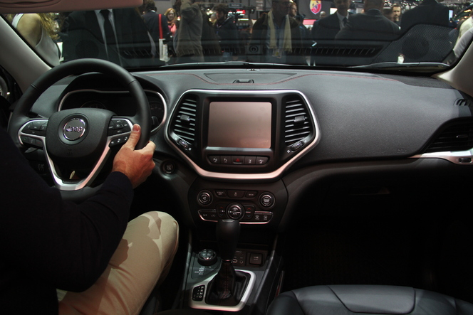 Vidéo - en direct de Genève 2014 - Jeep Cherokee : l'original