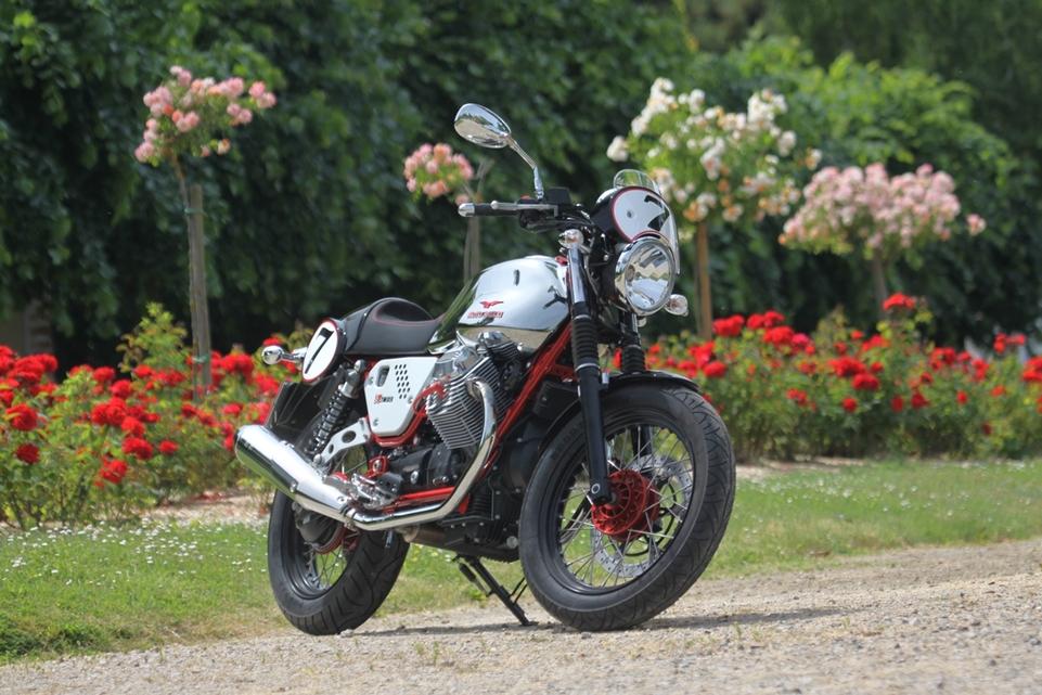 Moto Guzzi V7 Racer 2011 : regarde-moi !