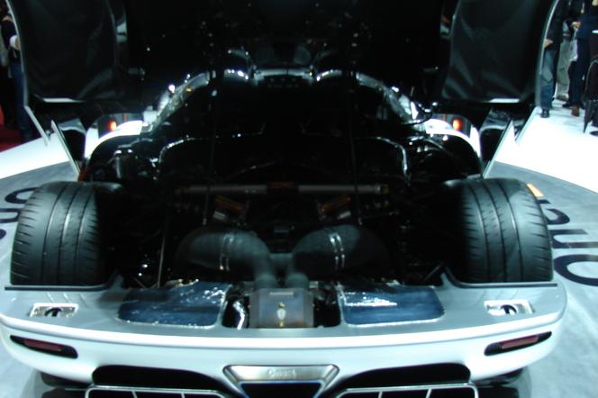 Vidéo en direct de Genève 2014 - La Koenigsegg One: 1 est l'hypercar du salon