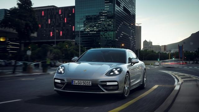 Salon de Genève 2017 : la Porsche Panamera Turbo S hybride arrive avec 680 ch