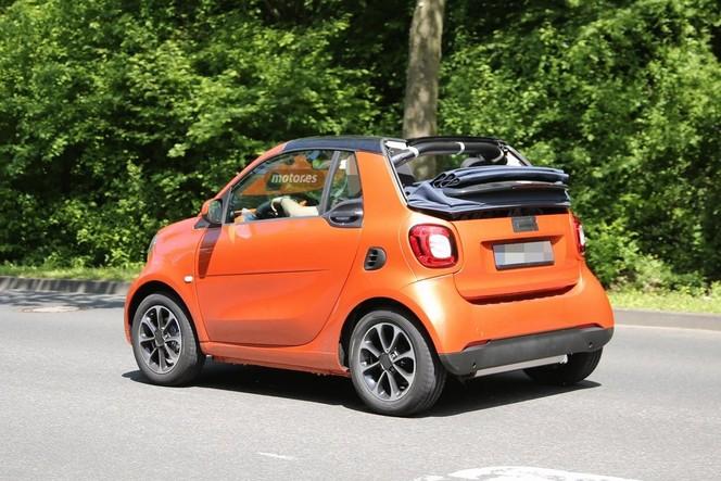 Surprise : la future Smart fortwo cabriolet baisse la capote