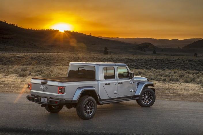 Salon de Los Angeles 2018 - Jeep présente son pick-up Gladiator