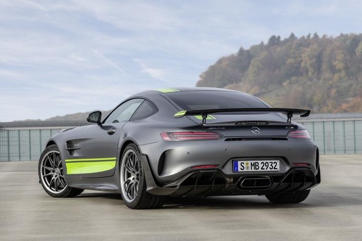 Salon de Los Angeles 2018 - Mercedes AMG-GT : petit restylage et versionR Pro
