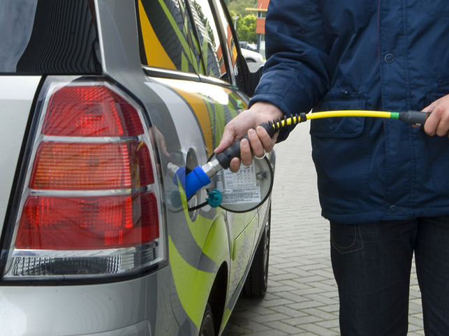 Opel/Belgique : station de ravitaillement à domicile gratuite pour des clients des nouveaux Zafira et Combo au GNC