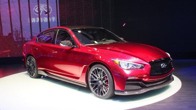 En direct de Genève 2014 - Infiniti Q50 Concept Eau rouge : tueuse de M3