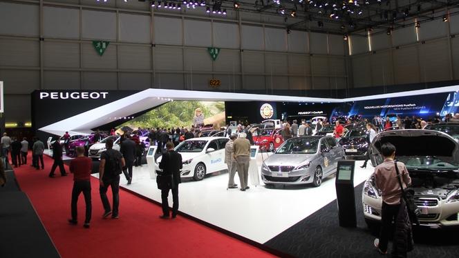 Vidéo en direct de Genève 2014 - Le stand Peugeot : classique mais riche