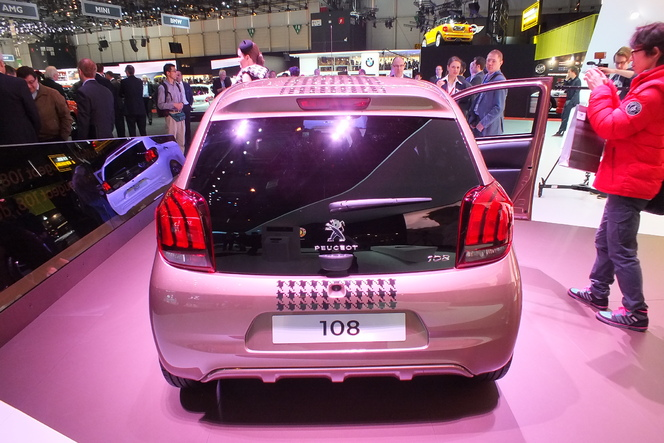 Vidéo en direct de Genève 2014 - Peugeot 108 : sérieusement personnalisable