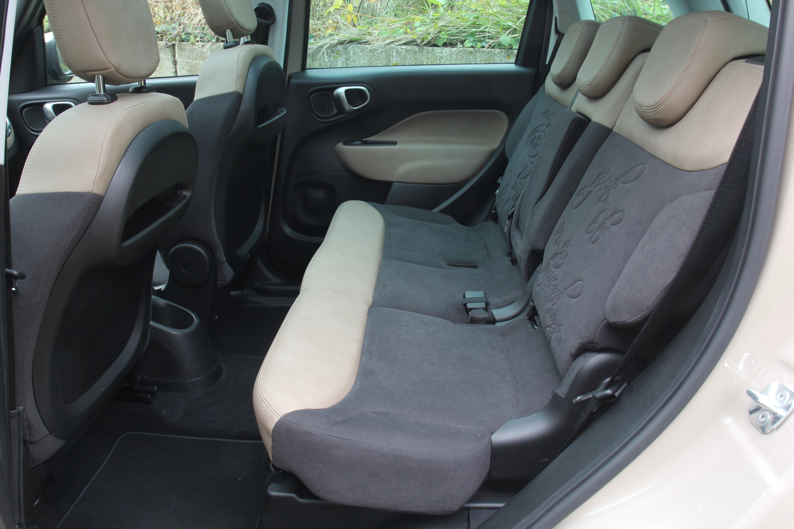 Comparatif ford b max vs fiat 500 l le bapt me du feu for Fiat 500 x interieur