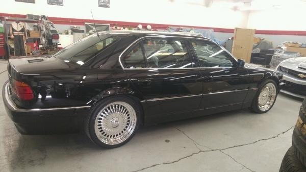 BMW: la 750i dans laquelle le rappeur Tupac est mort est à vendre
