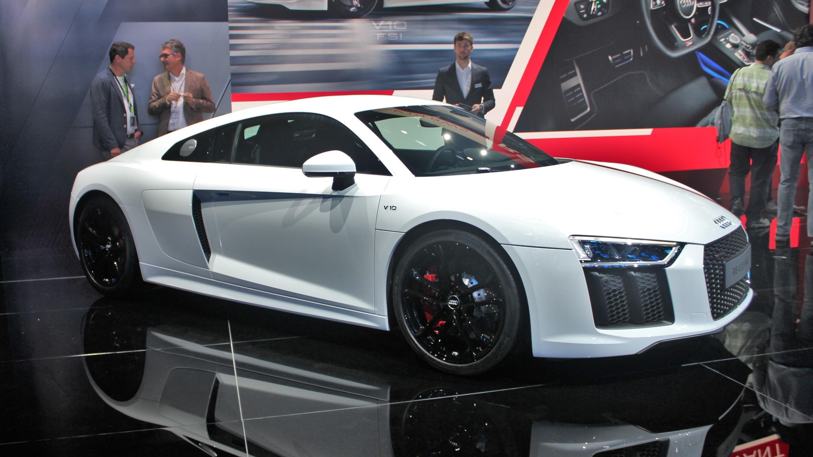 Audi R8 V10 RWS : arrière toute ! - En direct du salon de ...