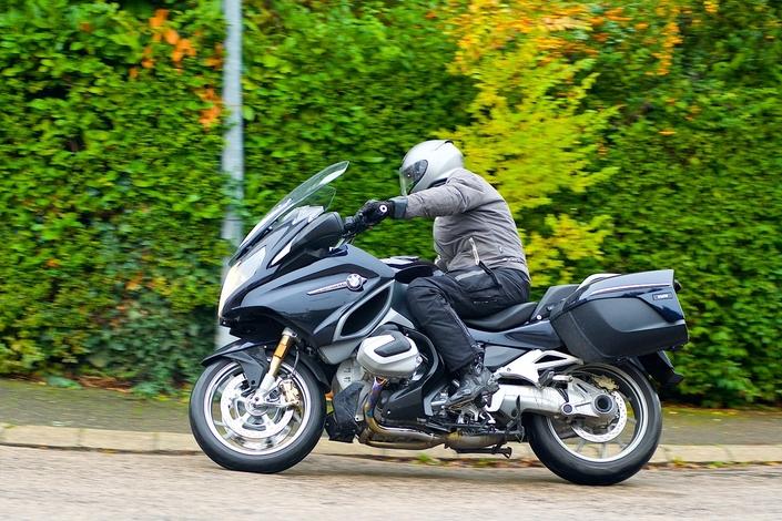 Essai - BMW R1250 RT - Un Boxer sacrément camé! S1-essai-bmw-r1250-rt-un-boxer-sacrement-came-574312