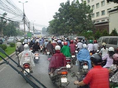 Pollution: vers une circulation alternée, y compris pour les deux roues ?