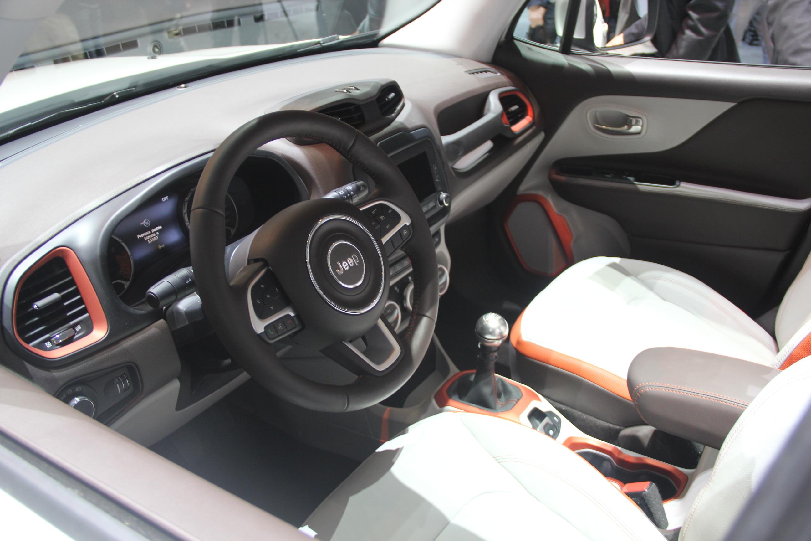 Vidéo en direct de Genève 2014 - Jeep Renegade : brute de ...
