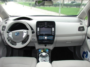 Essai vidéo - Nissan LEAF : la fée électricité a bien bossé, mais elle facture cher...