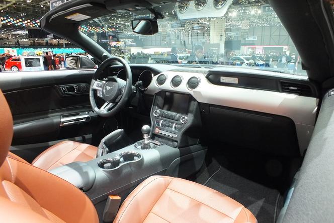 En direct de Genève 2014 - Ford Mustang Cabriolet : bonheur des coiffeurs