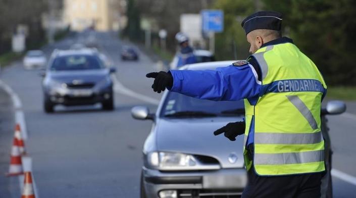 Gilets jaunes: des péages bloqués par des… gendarmes!