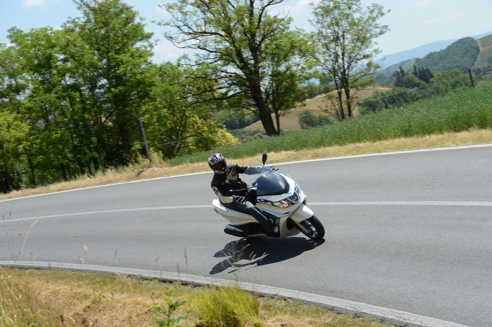 Piaggio X10 500 2012 : la famille s'agrandit
