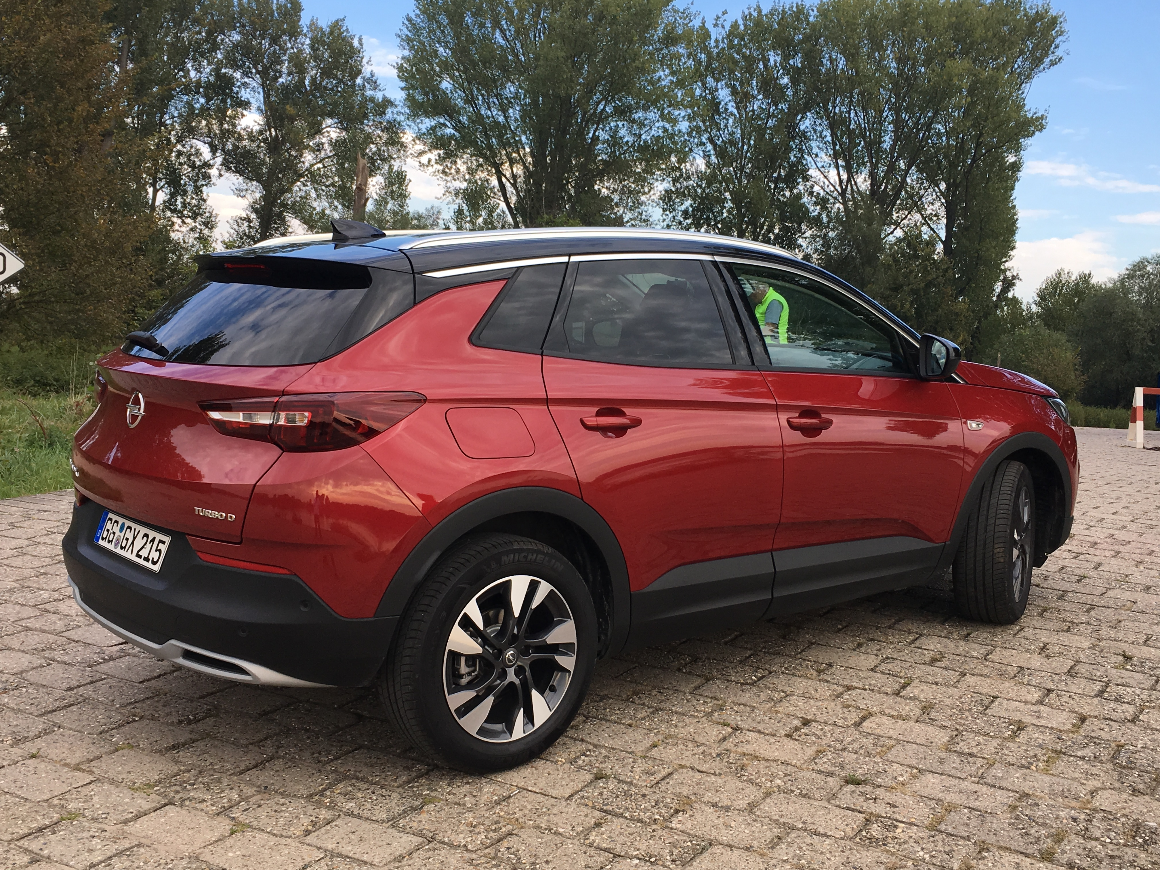 opel grandland x les premi res images de l 39 essai en live impressions de conduite. Black Bedroom Furniture Sets. Home Design Ideas