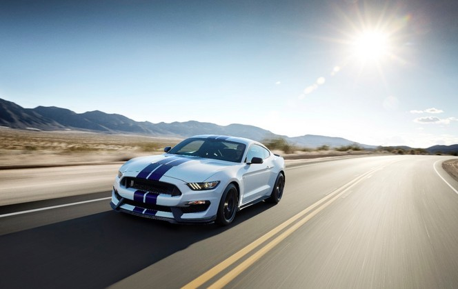 Ford Mustang Shelby GT350 : V8 5.2l  526 ch et du son