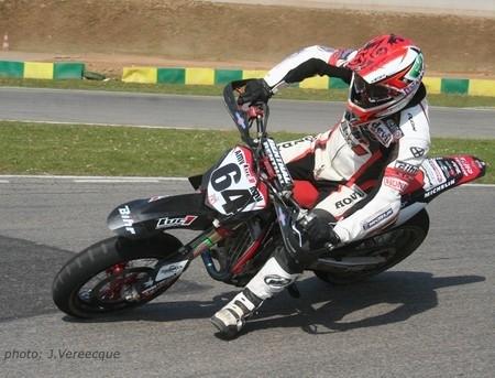 Championnat suisse de supermotard : Sylvain Bidart remonte à la seconde place au classement provisoire.