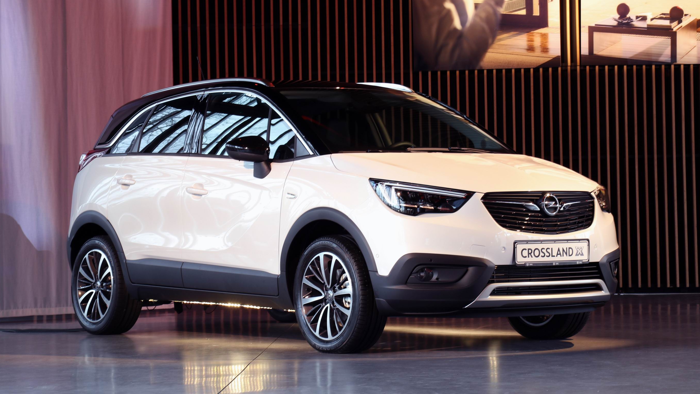 salon de gen ve 2017 opel crossland x le changement c. Black Bedroom Furniture Sets. Home Design Ideas