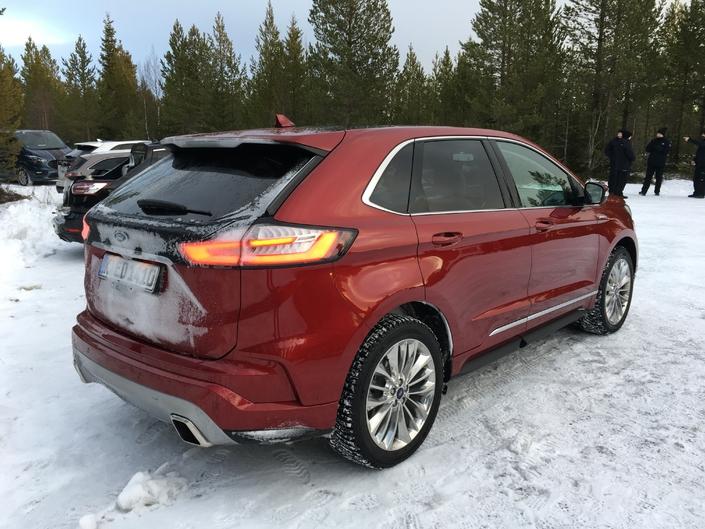 Ford Edge restylé : les premières images de l'essai en live + impressions de conduite
