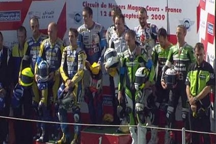 Bol d'Or 2009 : Suzuki gagne et la Yamaha N° 7 du YART est championne du monde