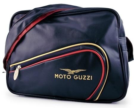 Moto Guzzi: des besaces pour être à la mode