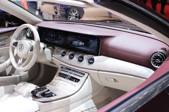 Mercedes Classe E Cabriolet : sexy - Vidéo en direct du salon de Genève 2017