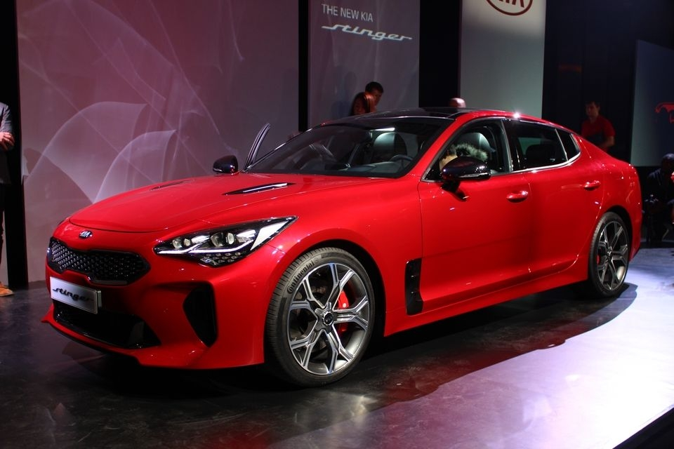 salon de gen ve 2017 kia stinger missile en approche. Black Bedroom Furniture Sets. Home Design Ideas