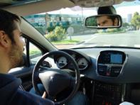 Essai d'une voiture au Mondial de l'Automobile : facile ou pas ?