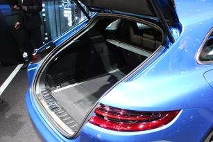 Porsche Panamera Sport Turismo : 5 places - En direct du Salon de Genève 2017
