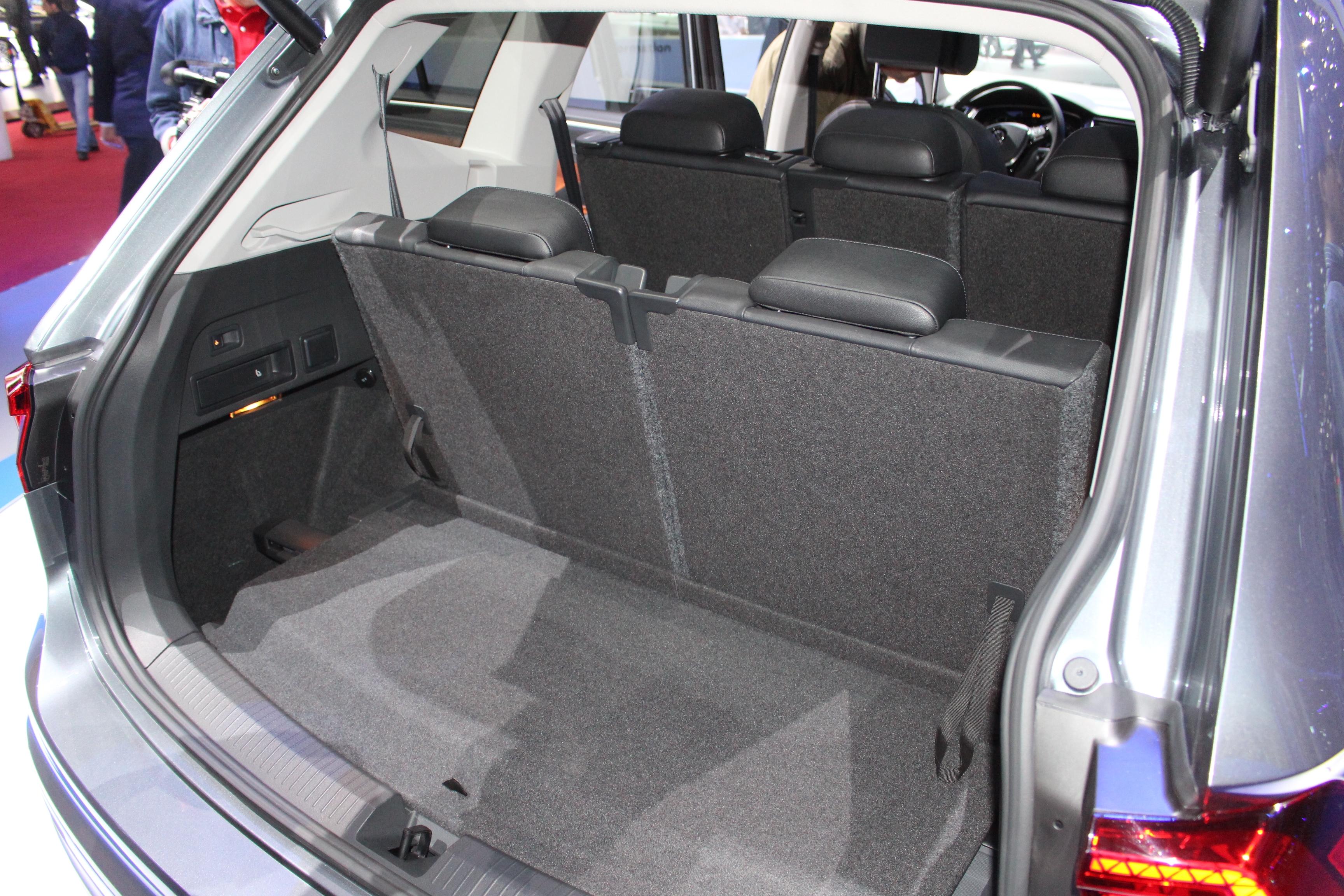 S0-volkswagen-tiguan-allspace-xxl-en-direct-du-salon-de-geneve-2017-398450