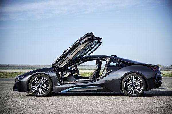 Les caractéristiques officielles de la BMW i8 dévoilées