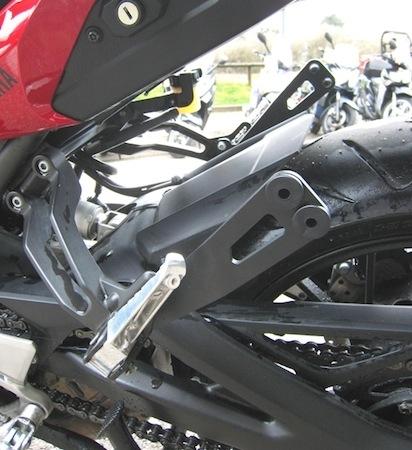 Access Design, Yamaha MT-09 Tracer: kit fixation valise rigide de la gamme FJR1300