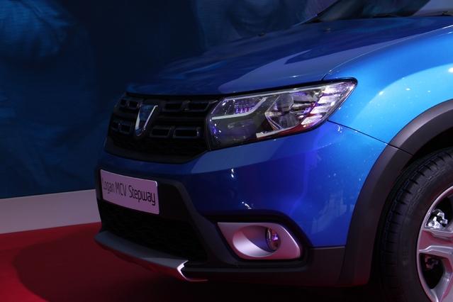 Dacia Sandero et Duster : les stars - Vidéo en direct du Salon de Genève 2017