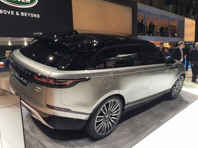 Salon de Genève 2017 - Le Range Rover Velar se dévoile en live