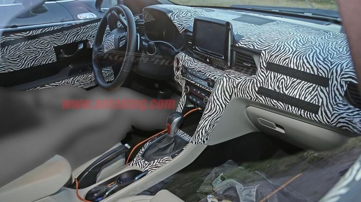 Surprise : voici l'intérieur du prochain Hyundai Veloster N