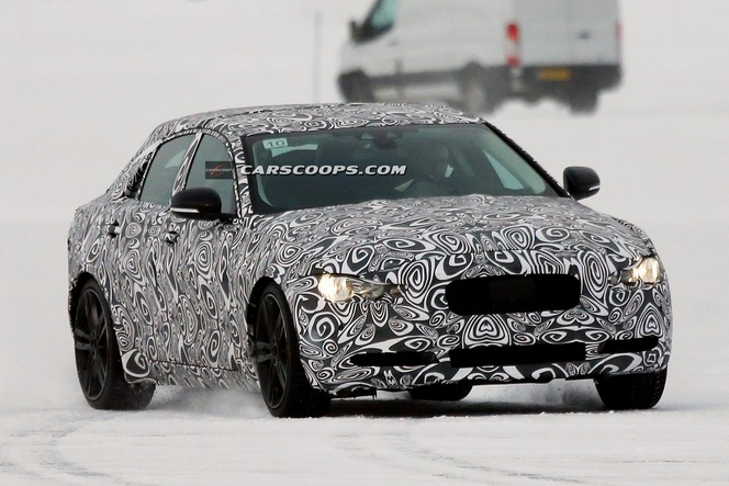 Surprise : la future Jaguar XE se montre