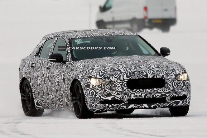 Surprise : la future Jaguar XE se montre