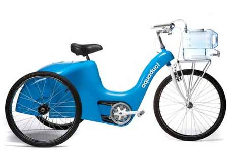 Concours Innovate or Die - Pedal-Powered Machine : le tricycle-filtreur d'eau Aquaduct a fini premier !