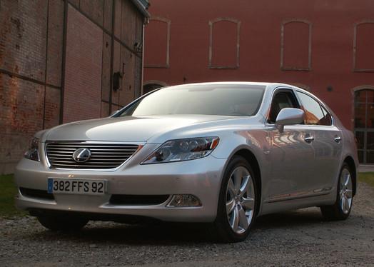 Essai - Lexus LS 600h : usine à gaz électrisante