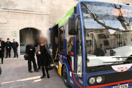 Avignon lance deux nouveaux mini-bus électriques OREOS