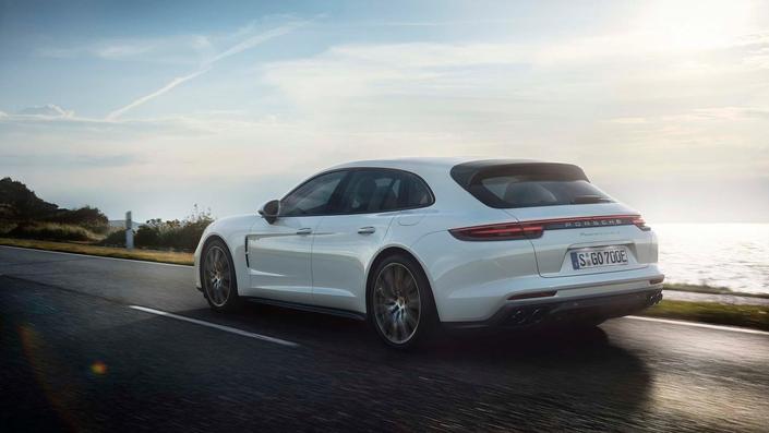 Porsche dévoile la Panamera Sport Turismo S-E Hybrid